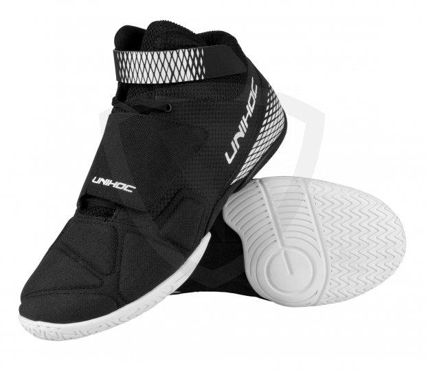 Unihoc U4 Goalie Black brankářská obuv 27301 U4 GOALIE UNISEX 6351f9098f